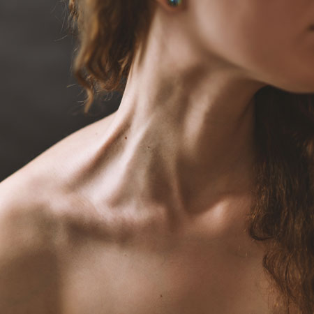deja-vu-medspa-laser-services-womans-neck
