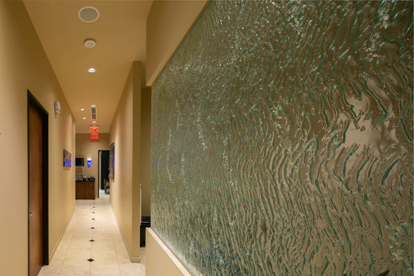 deja-vu-med-spa-hallway-glass