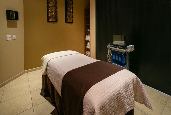 deja-vu-med-spa-treatment-room
