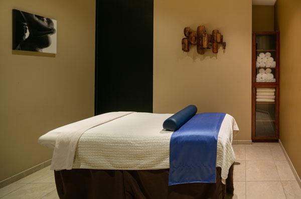 deja-vu-med-spa-treatment-room1