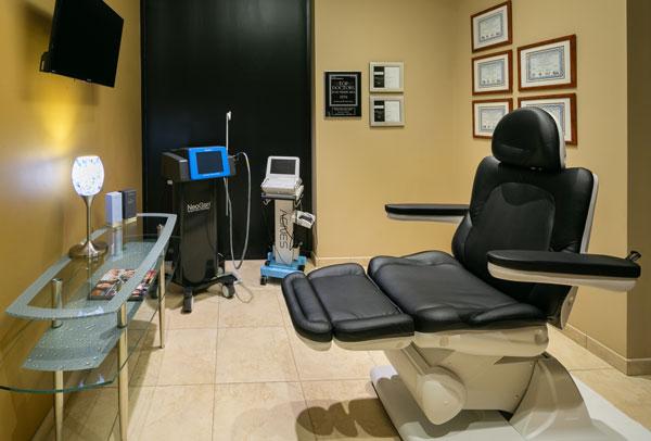 deja-vu-med-spa-treatment-room2
