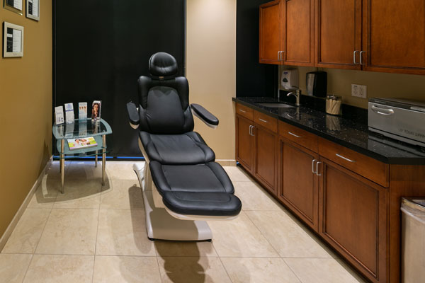 deja-vu-med-spa-treatment-room3